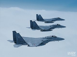 F15_320